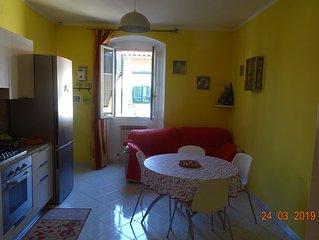 Intero appartamento di circa 65 mq, con due camere e un bagno molto grande.