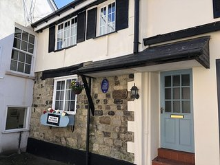 White cross cottage is a characterful  3 bedroom cottage in the heart of Seaton