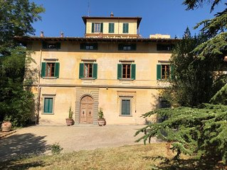 Villa Franchetti - Luxurious Florentine Villa with Swimming Pool