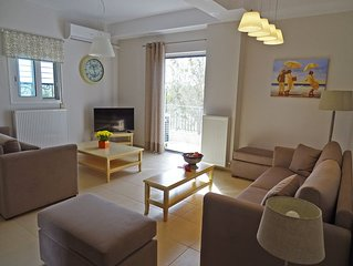 New, large apartm. with private garden, 3' to the sea and 5' to the city centre