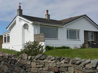 Beautiful 10 person modern bungalow in Bruichladdich with stunning views