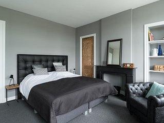 Classy design apartment in monumental Villa !