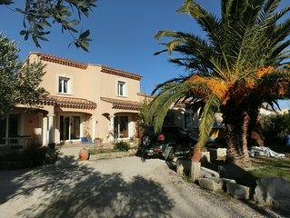 Villa de charme, spacieuse, au ceour de la Camargue, climatisee