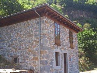 Casa rural rehabilitada  (alquiler integro)  La Fragua Sulapena para 4 personas.