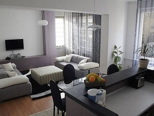 CENTER Spacious and bright, ideally located in the business centre of Sarajevo