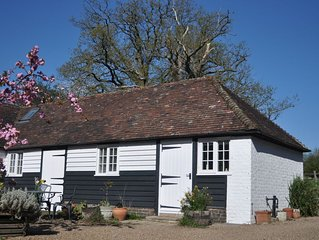 ***** Dairy Cottage *****, Hamptons Farmhouse, Child Friendly Holidays