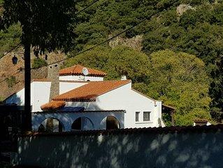 Villa de lujo con vistas espectaculares de la montana y frente al relajante Rio