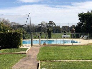 Sunny 1 Bedroom, Pool, Parking, Golf,  Cannes Marina Area, Mandelieu