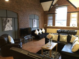 A Chic & Characterful Apartment Near City Centre