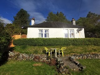 Secluded cottage very close to Skye Bridge and within Kyle of Lochalsh village.