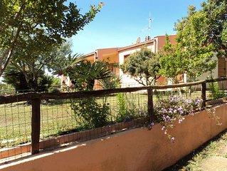 Villa con giardino a Porto Corallo -Sardegna- a 200 m dal mare 6 persone