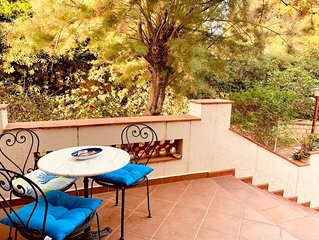 The white Hibiscus - Villa with a mediterranean garden - Free wifi and parking