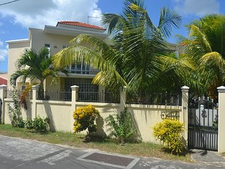 Trou aux Biches, Villa Aziza - 5 mins from beach Luxury 3 double bedrooms