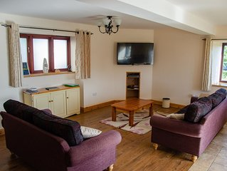 Tranquil Cottage overlooking some of Devons most stunning countryside