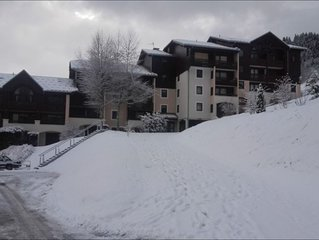 Appartement résidence skis aux pieds à 150m de la télécabine Les PortesDuSoleil