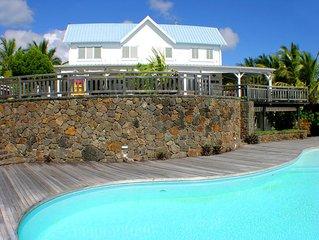Villa de la Baie,Trou d'eau Douce, piscine, sur la mer, wifi gratuit