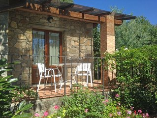 Cozy stone cottage perfect for 2, with covered terrace, garden, pool