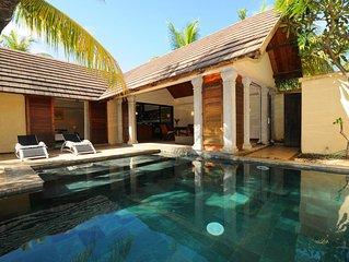 Villa pour 1 couple ou 4 pers., jardin/piscine hors regards externes,plage 900m