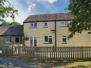 Meadowsweet Cottage In Saundersfoot,