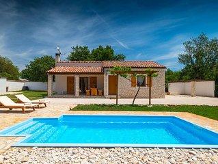 Villa Bilen  mit Pool in Medulin