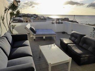 Ganzes Haus. Dachterrasse mit Lounge, BBQ, Panorama Meerblick, 100 m zum Strand