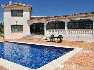 Villa with breathtaking views over the sea and Faro's valley