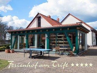 luxurioses Maisonett App.,Kaminofen, Sauna, Lounge, Pool, 50 Meter zum See,