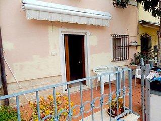 S103 - Sirolo, ampia villetta con portico