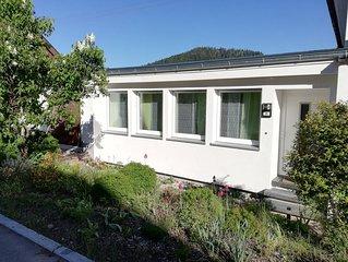 Helle, freundliche, unabhängige Wohnung im Anbau, 75 qm