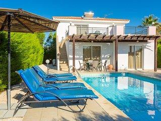 Villa Dalia: Large Private Pool, Walk to Beach, Sea Views, A/C, WiFi, Eco-Friend