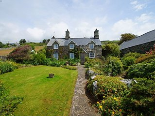 Experience a touch of magic in this charming and pretty traditional Welsh cottag