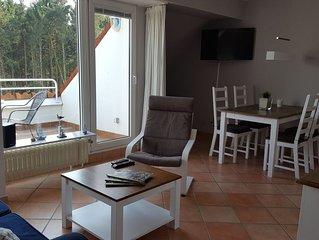 Schöne Ferienwohung mit Balkon und Hallenbad im Landhausstil für 3 -4 Personen