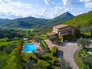 Umbrian Farmhouse with private pool sleeping up to 12 people.