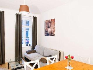 Moderne Wohnung im Altbau ('Curt')