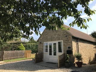 Cherry Tree Cottage - Private Detached Cottage