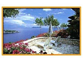 ULYSSE Residence, villa sul mare, ulivi e verde protetti  ACQUISTO VERO AFFARE