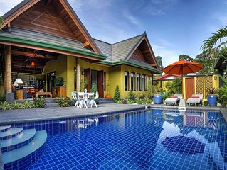 Exotic Villa with Pool, Jacuzzi & Free Transfer - 650 mtrs from coast