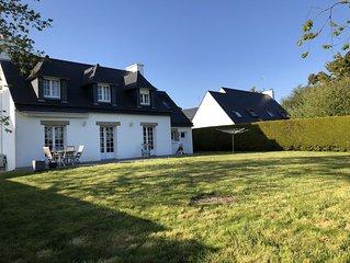 Maison moderne néo-bretonne proche de la côte
