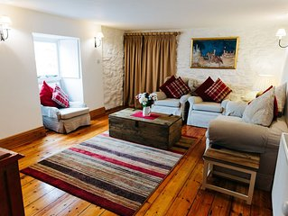 Ty Canol, Relaxing Character Cottage - nr. Abereiddy Beach (sleeps 2-5)