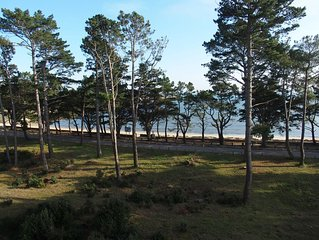Appartement avec vue imprenable sur mer et sur la plage, grand balcon.
