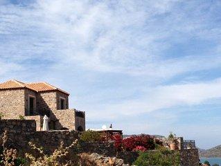 Villa Mavrikiano, Elounda, private pool, Wi-Fi, near beach/shops - EOT Licence