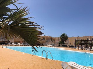 Two bedroom townhouse, communal pool, UK TV, Wifi available