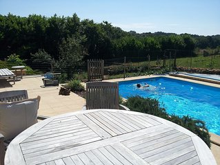Lamourlanquais.Eu Gite With Large Pool. 2 Bedroom  4 Person Sitting Room Kitchen