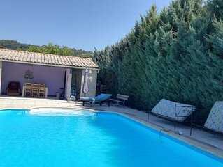 Villa avec piscine et jardin, Navette a 5 metres pour le village et les Thermes