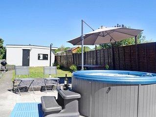 2 bedroom accommodation in Kenfig Hill, near Bridgend