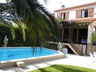 maison avec piscine chauffée-jardin-terrasse-stationnement 3 voit - 7 à 9 pers