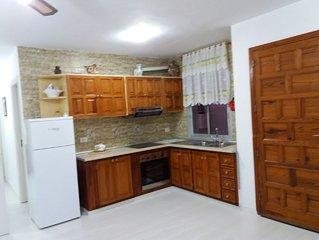 Appartamento indipendente  a pochi passi dalla spiaggia di  Playa la Arena