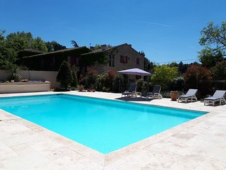 Bastide du 18eme siecle, 190 m2,  grande piscine privee,  8000 m2 terrain arbore