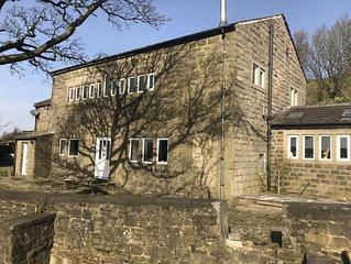Halstead Green 5 double/twin Farmhouse in Colden, near Hebden Bridge