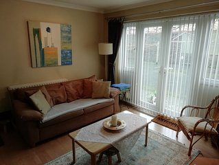 Lovely 1 bed ground floor flat in Kew close to Thames and National Archives